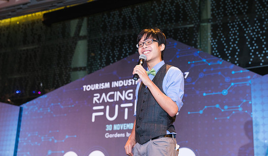Mr Sam See   Hosting for the Singapore Tourism Industry Night