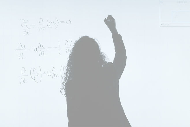 woman-writing-on-a-whiteboard-3862130_ed