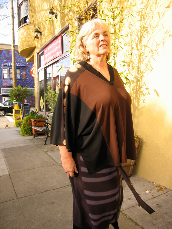 mom in Sapa top and wrap
