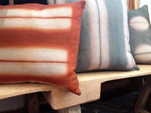 ocelot_pillows_linen_persimmon_indigo-sl