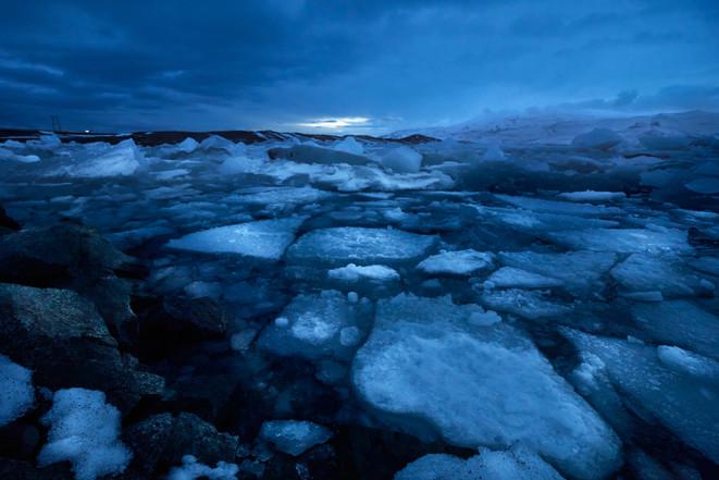 Anocheciendo en el hielo