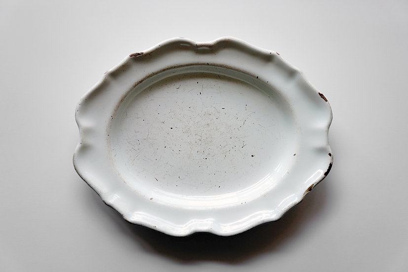 Oval Dish / Moustiers / FRANCE 1700s