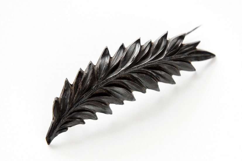 Antique Leaf Brooch / Bog Oak / 1870-1890 FRANCE