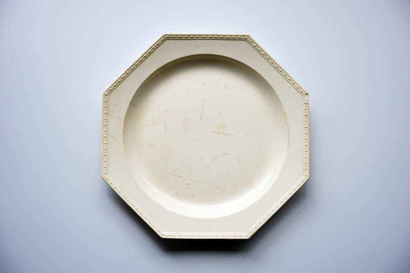 Octagonal Plate / Chantilly / 1790-1800 FRANCE