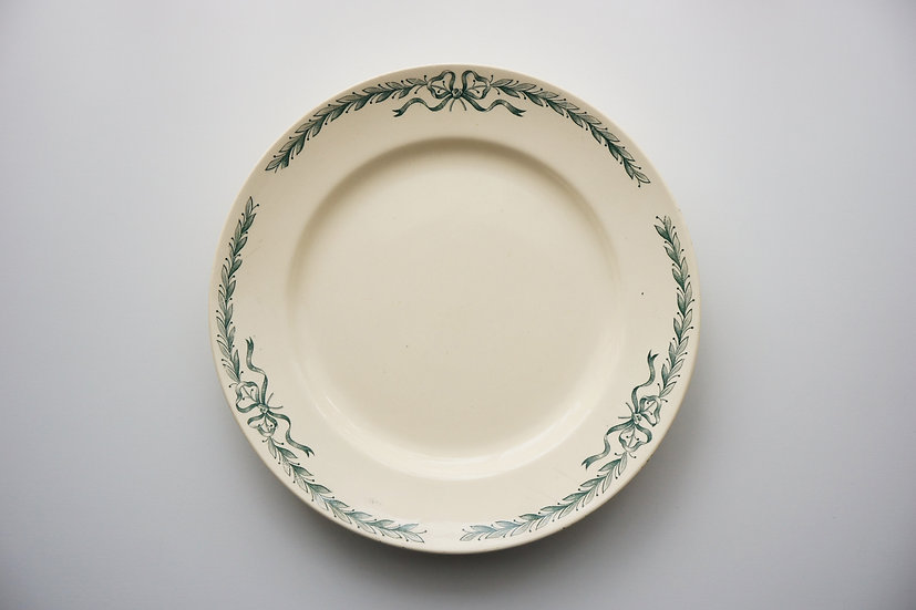 Dinner Plate / Longchamp / BelleVille / 1930s FRANCE