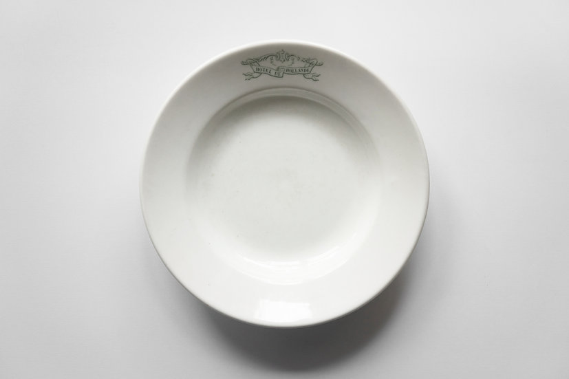 Deep Dish / Porcelain / -1900 FRANCE