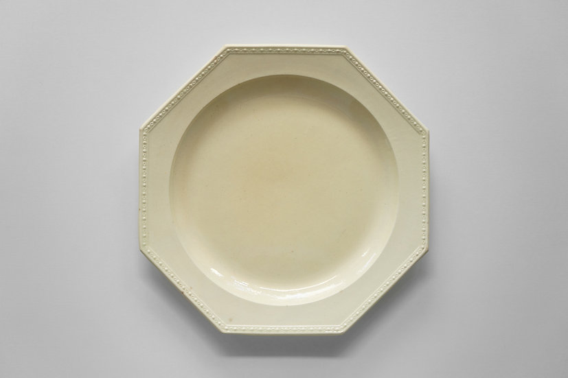 Octagonal Plate / Chantilly / 1790-1810 FRANCE