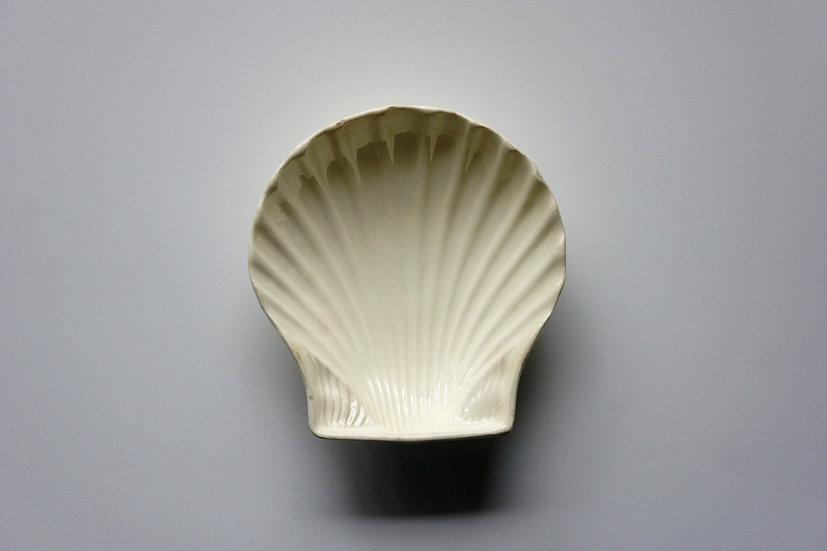 Rare Shell Dish / Creamware / Leeds Pottery / ENGLAND 1770-80