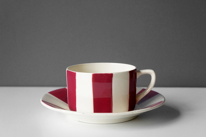 Chocolate Cup & Saucer / Sarreguemines et Digoin / 1920- FRANCE