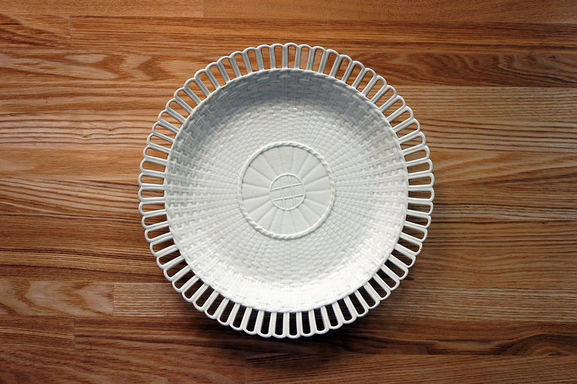 Plate / Creamware