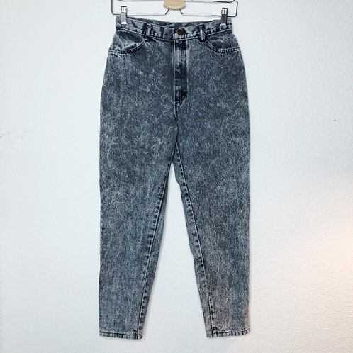 Early 1990's Gap Ferrat Ankle Zip Mom Jeans
