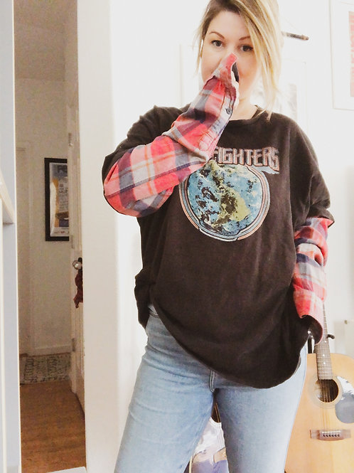 Graphic Tee Flannel: Foo Fighters
