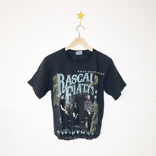 Scrunch Bottom Tee: Rascal Flats
