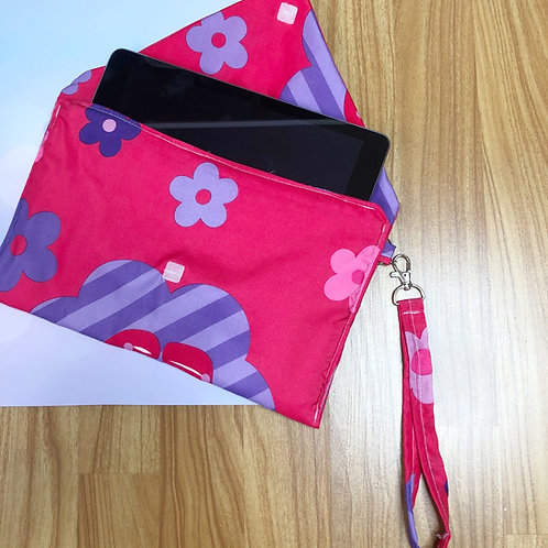 Envelope Clutch: Hello Kitty