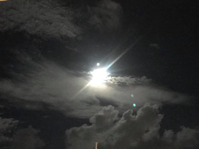 満月の眩しさ