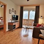 Wohnzimmer Wohnung 1.jpg