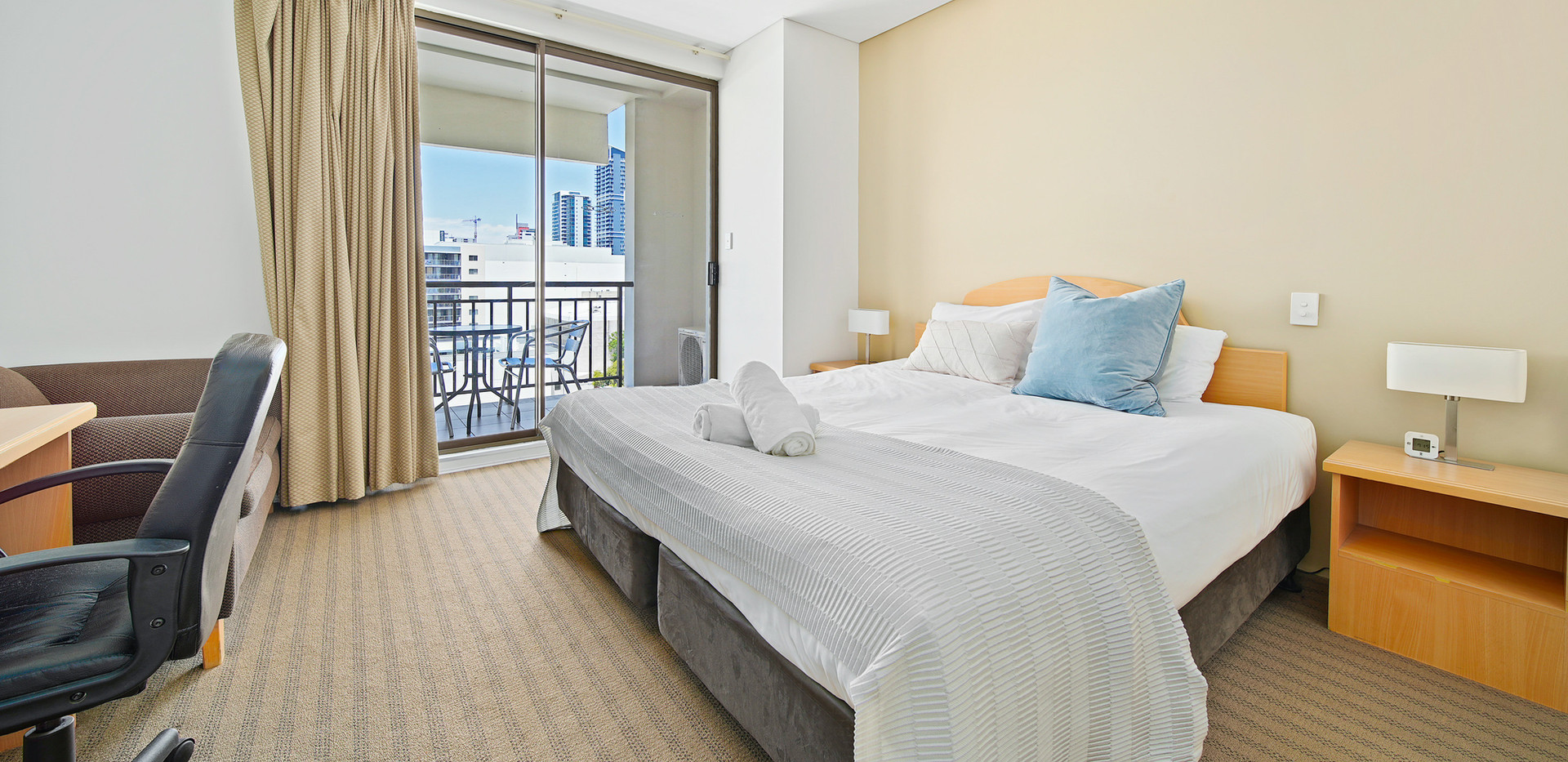 19. Main Bedroom - Two Bedroom - All Sui