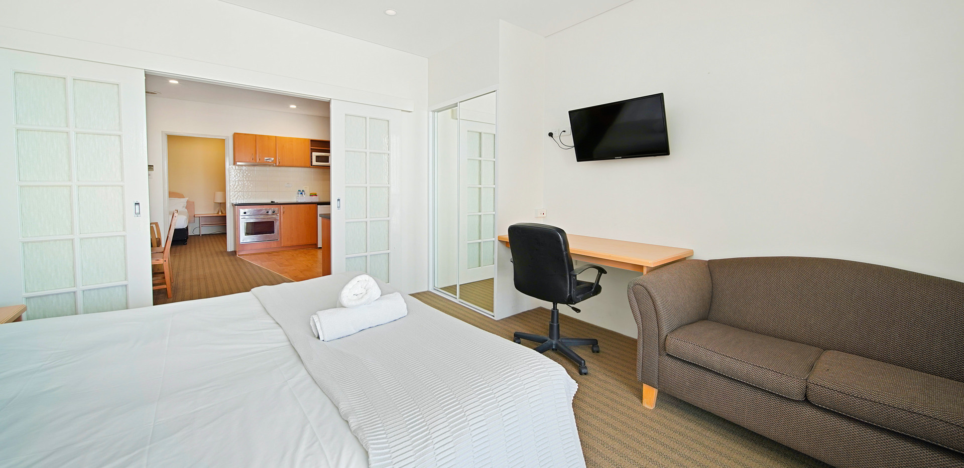 21. Main bedroom - Two Bedroom - All Sui