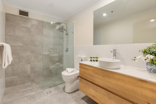 Main Bathroom - Short Term Rental Perth CBD