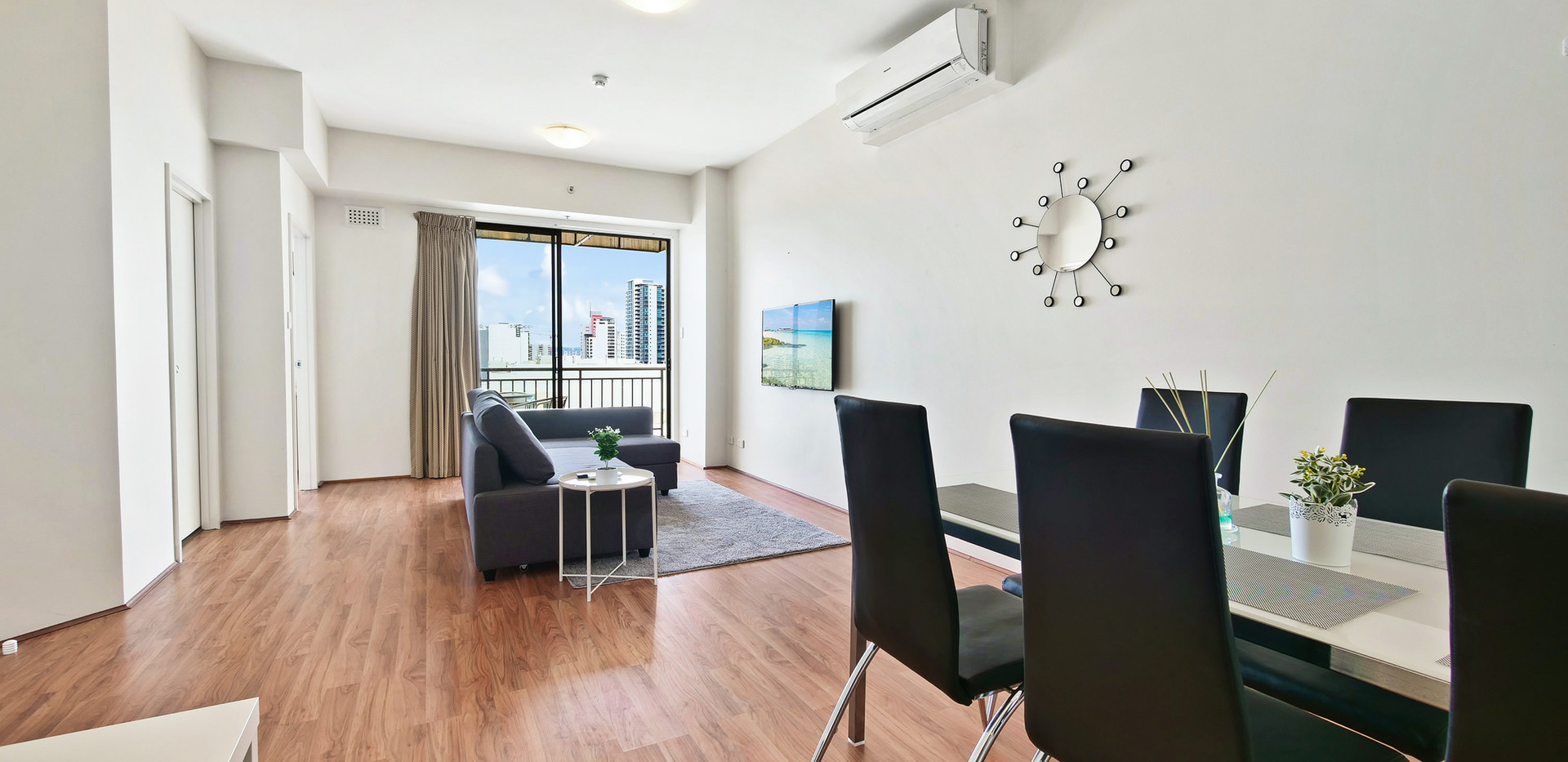 3. Dinging Lounge - Two Bedroom Penthous