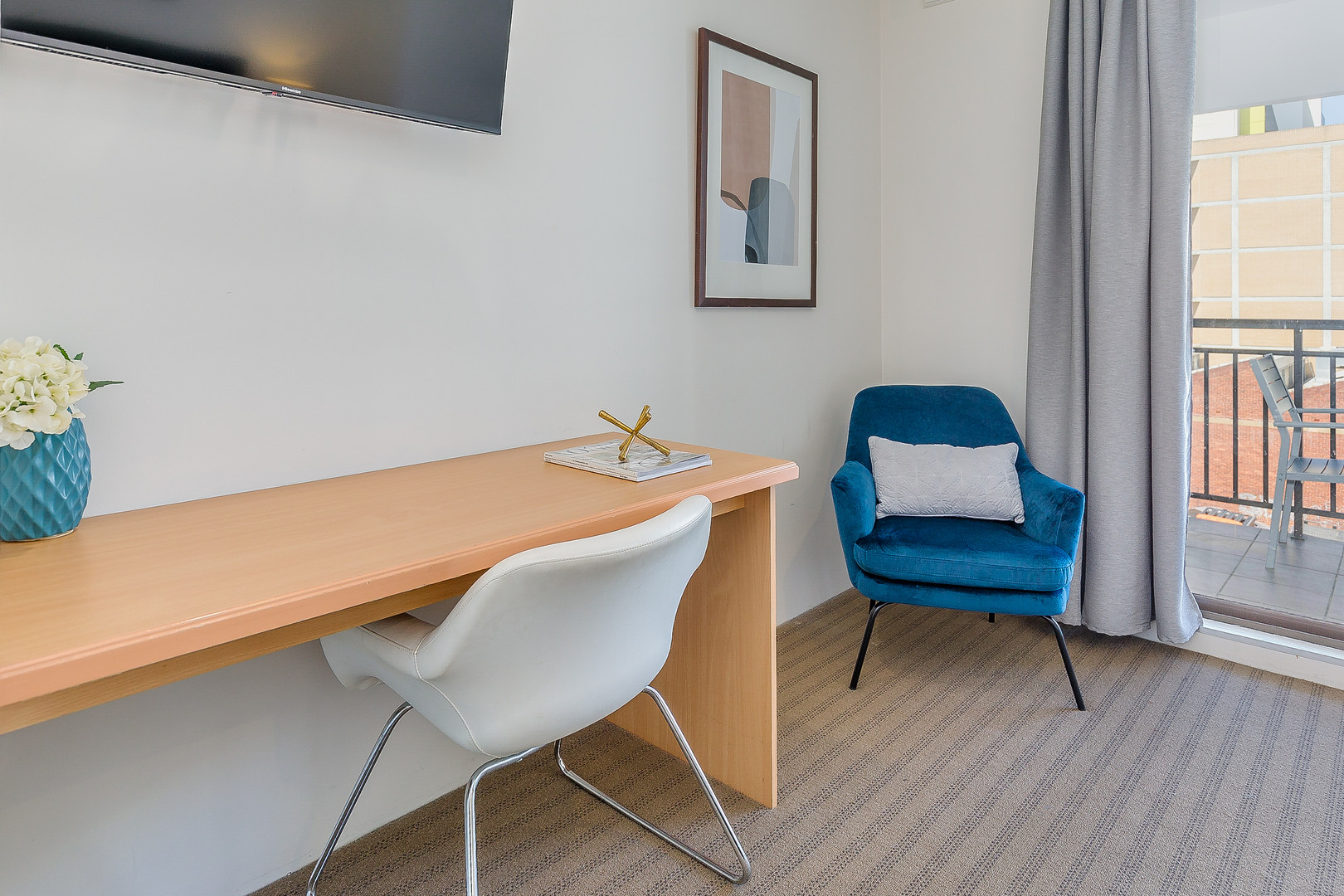 Work Desk - Short Term Rental Perth CBD