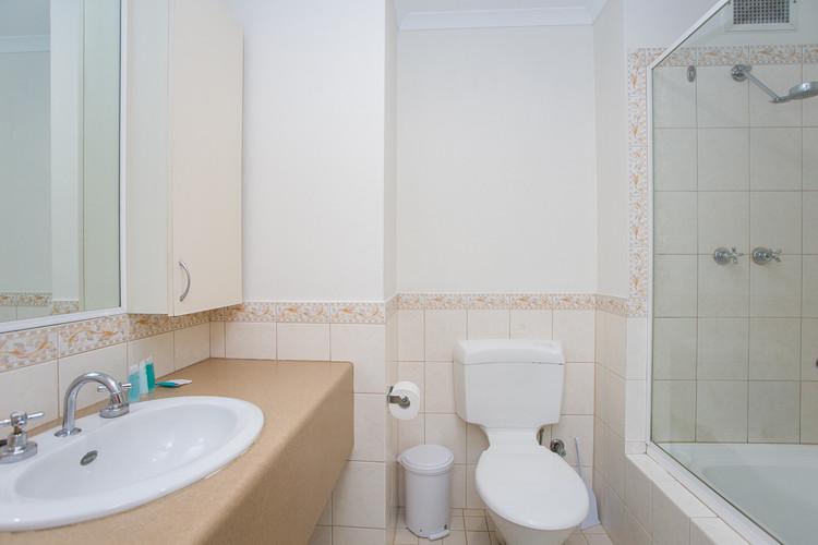 Studio Apartment Ensuite - Short Term Rental Perth CBD.jpg
