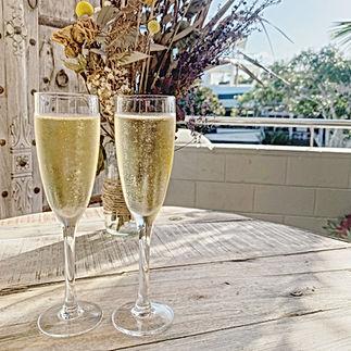2 glasses of sparkling wine
