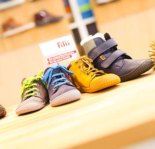 We value shoes that promote and support the natural motion process of human feet in the best possible way - that is why SMW-Schuhhaus offers a variety of different, high-quality barefoot shoes. Some well-known brands we carry include Filii, Affenzahn, Ricosta-Barefoot etc.!  © SMW-Schuhhaus