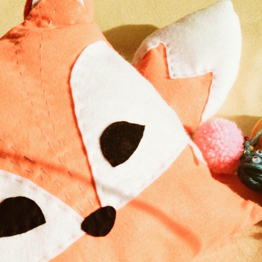 ART PROJECTS: FOX PILLOW