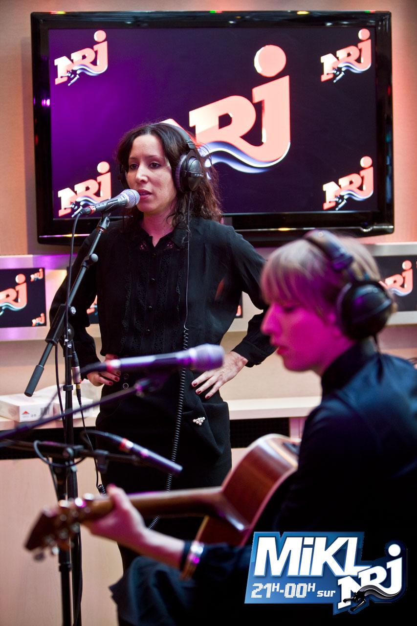Titiyo live on NRJ Radio