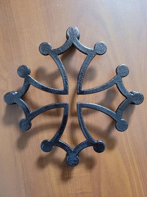 Dessous de plat croix occitane martelé 20 cm