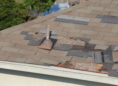 10 Serious Warning Signs Your Roof Isn't Safe