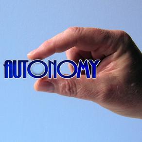 Wahre Autonomie und Ware Autonomie: Die Neu- oder Wiedergewinnung von Autonomie.