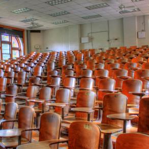 Eerstejaars studenten betalen helft collegegeld