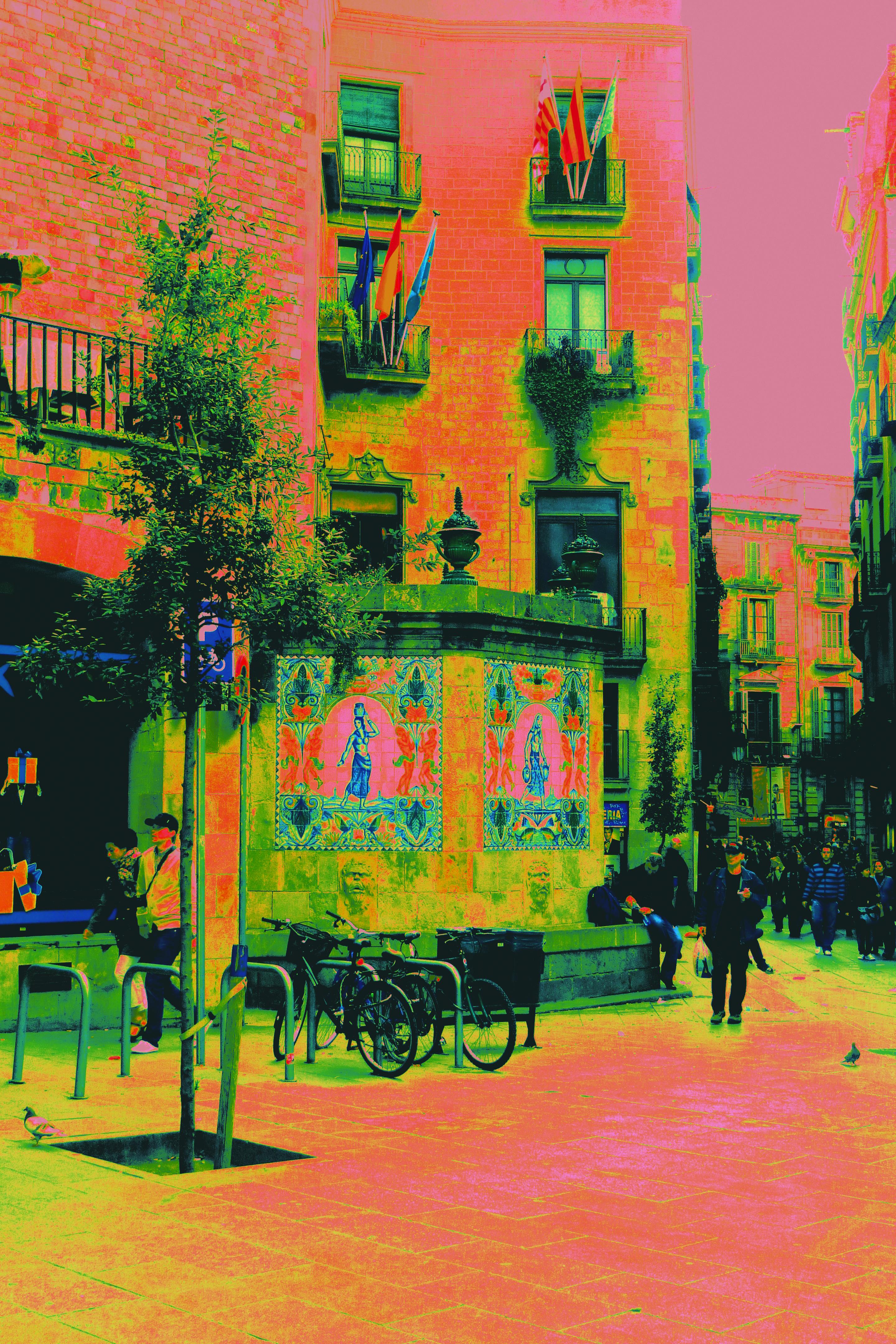 Paseo por las calles de Barcelona