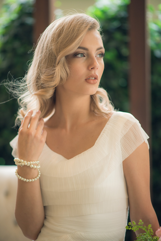 Medium Hair Length Bridal Hairdo's