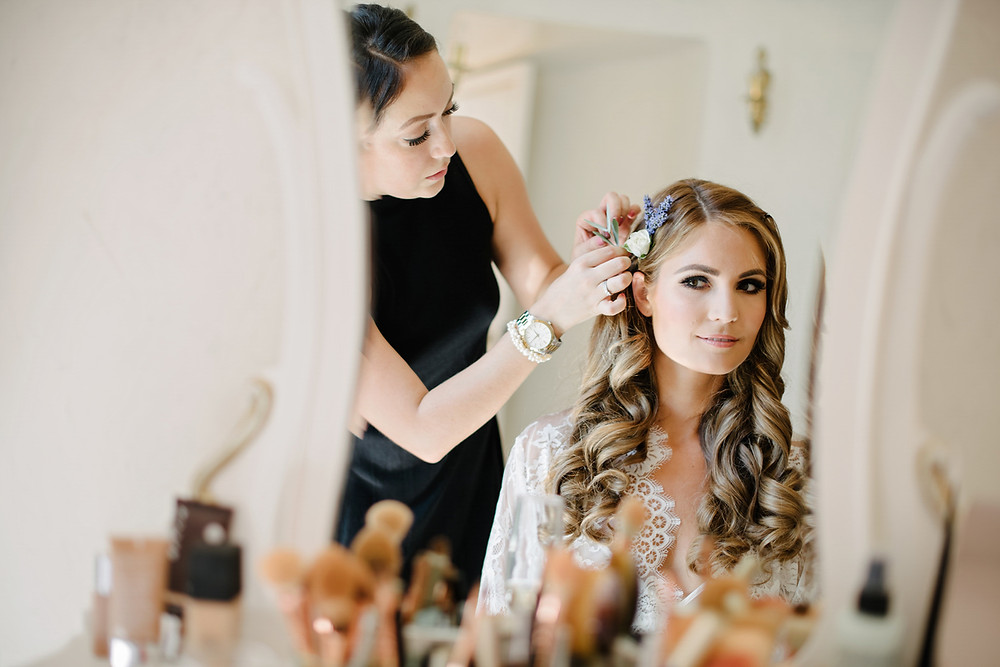 Feminine and Classic Bridal Curls