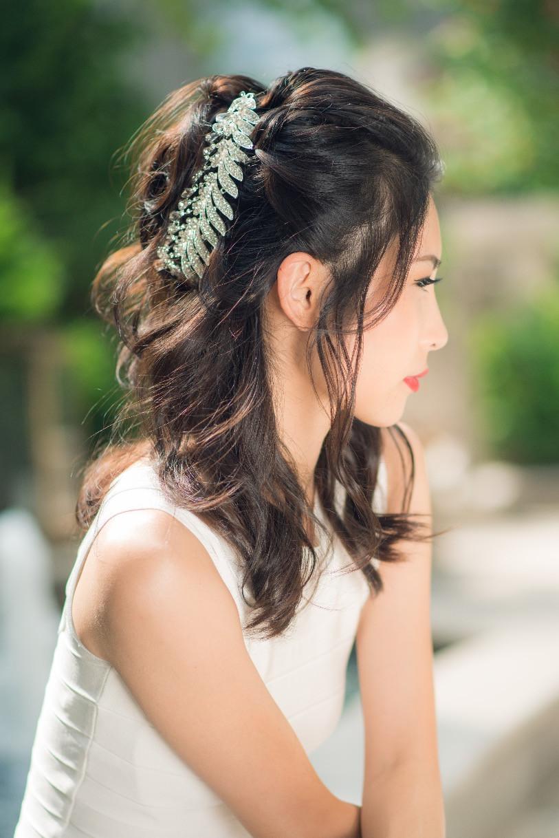 Glamorous Bridal Hair Jewelry