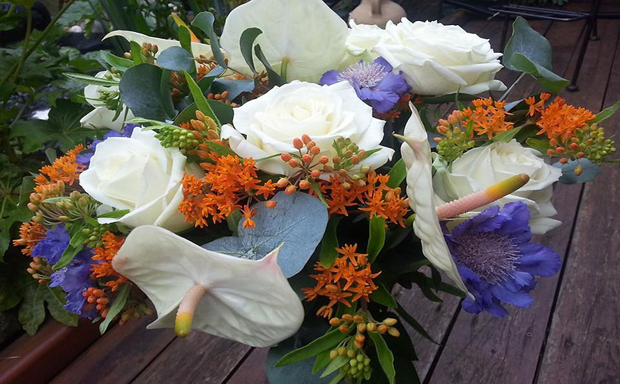 HAND TIED ARRANGEMENT