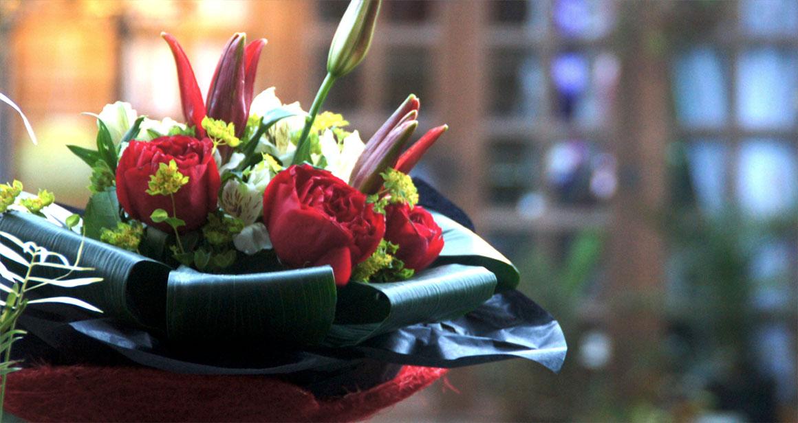 Rose & Lilies decorative bouquet