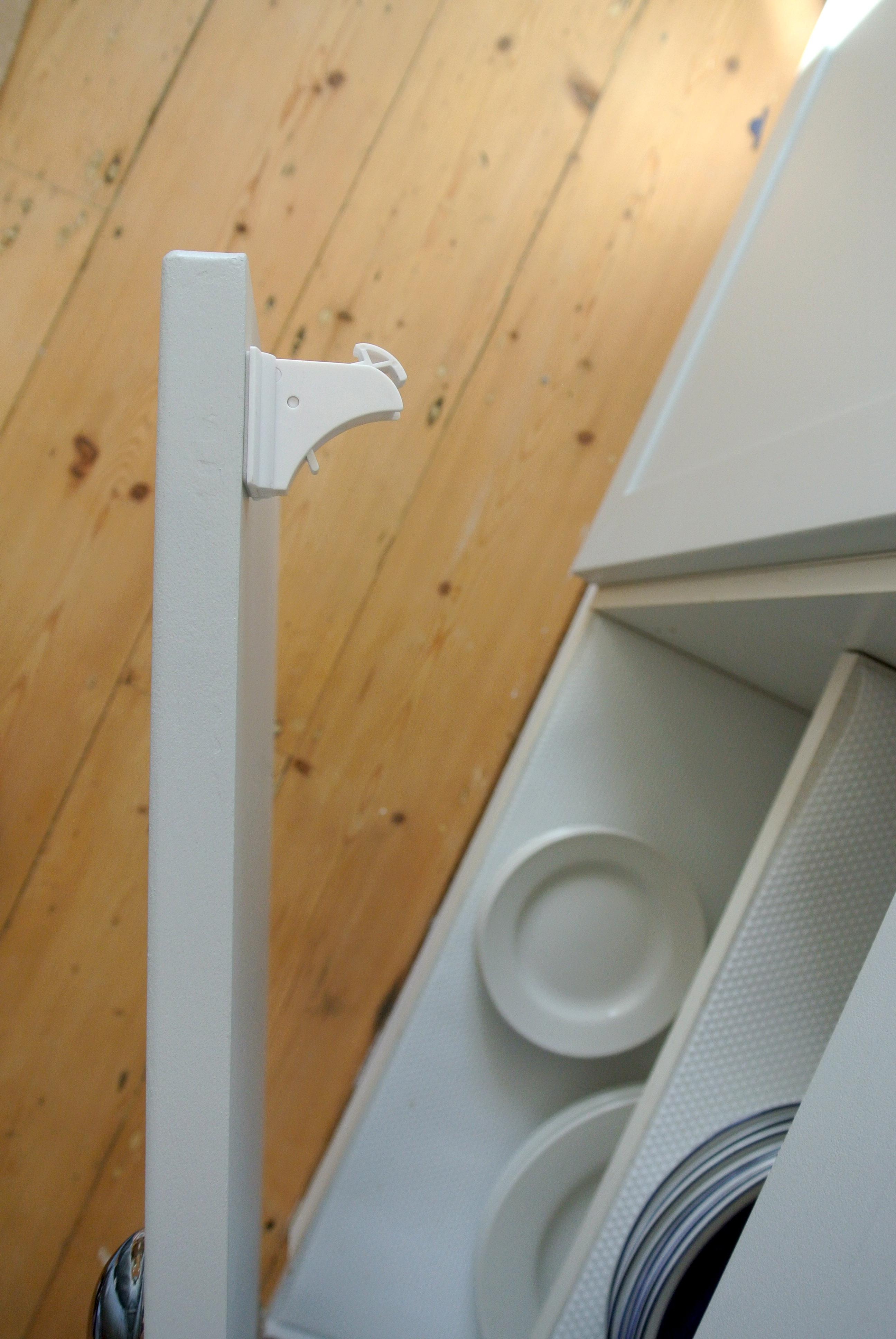 Child locks in kitchen