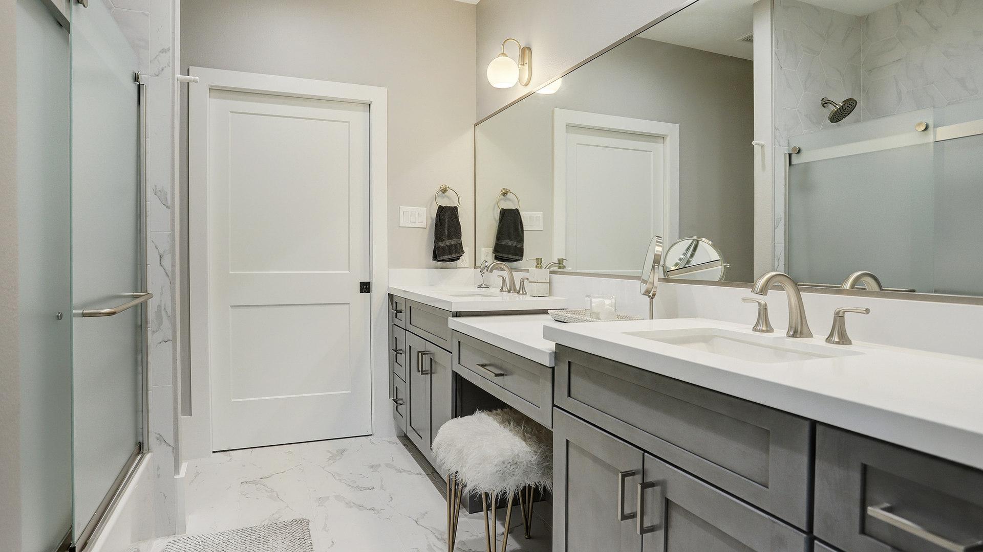 Cedarhurst guest bath high res.jpg