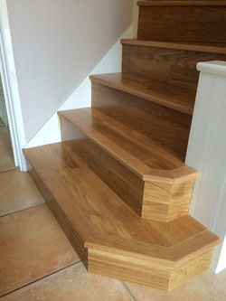 Staircase with bullnose steps