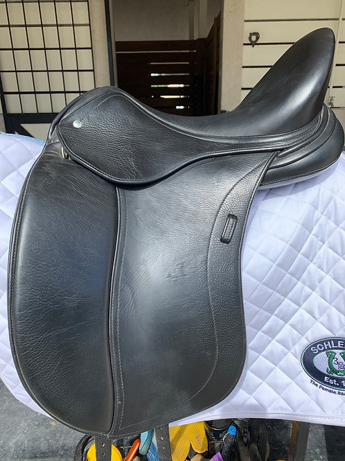 "Schleese Obrigado Dressage Saddle w/ HK 17.5""Seat"