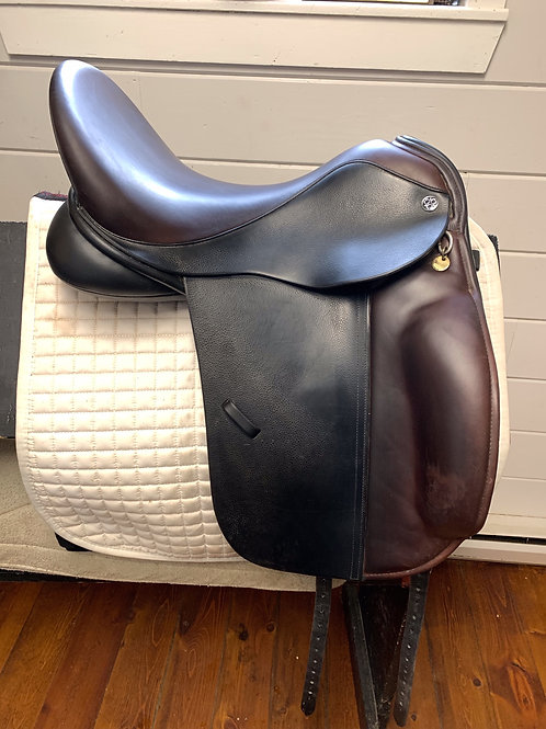"Trilogy Amadeo Elite Dressage Saddle, 18"" Seat, Black w/ Brwn Seat & Knee Rolls"