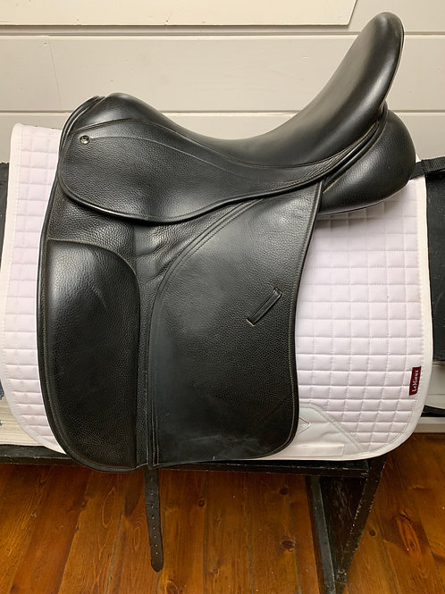 "County Perfection Dressage Saddle, 17"" Seat"