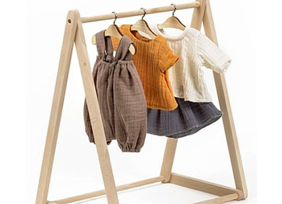 Porte vêtements pour poupées Minikane