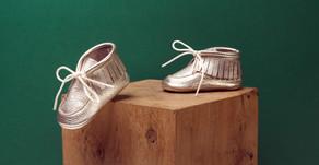 Chaussons, chaussures de premières marches, quelles différences? comment choisir?
