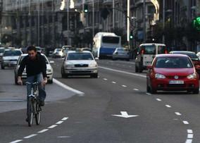 Bicicletas, vehículos y peatones: ¿quién tiene preferencia?