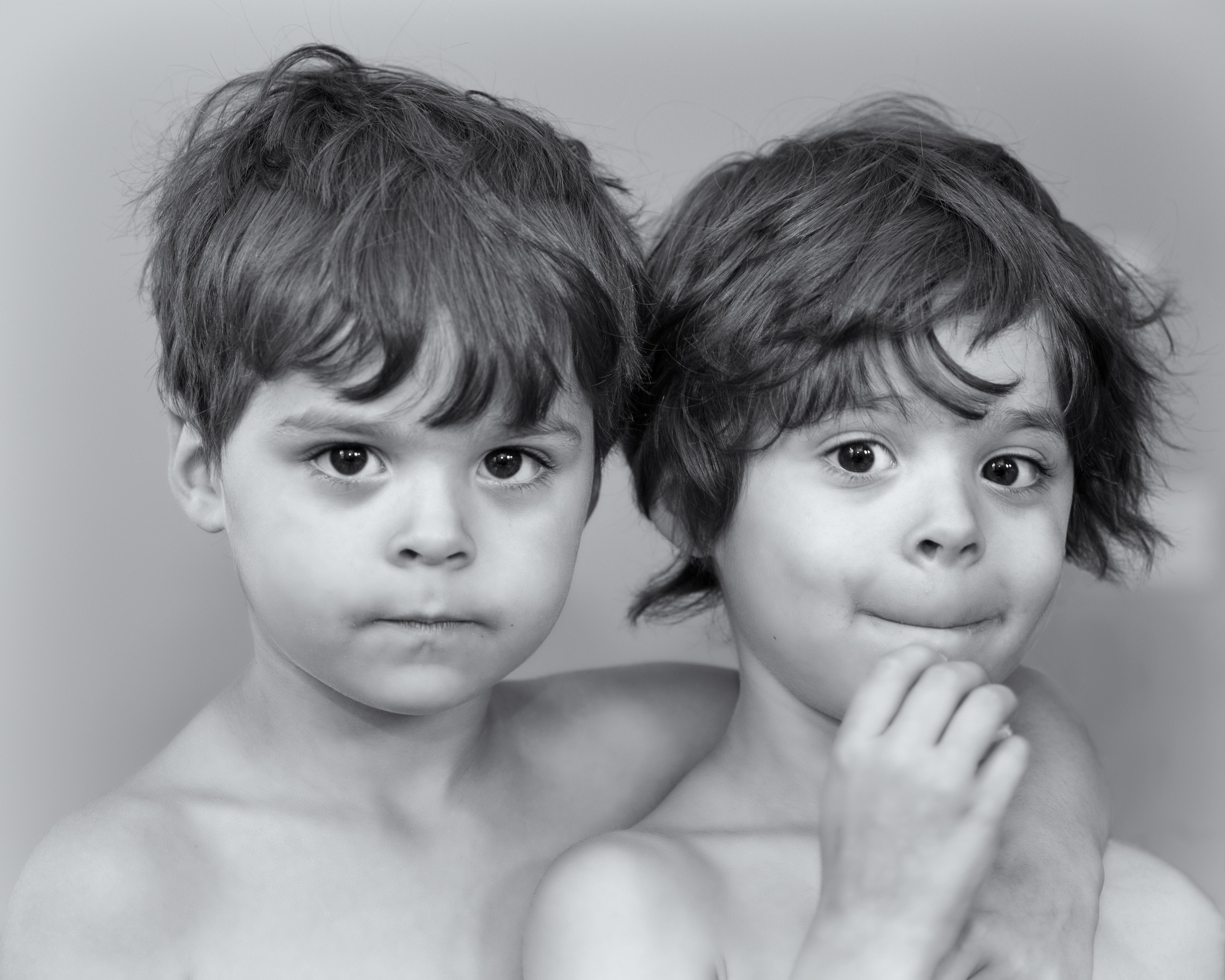 Liam& Elliott B&W
